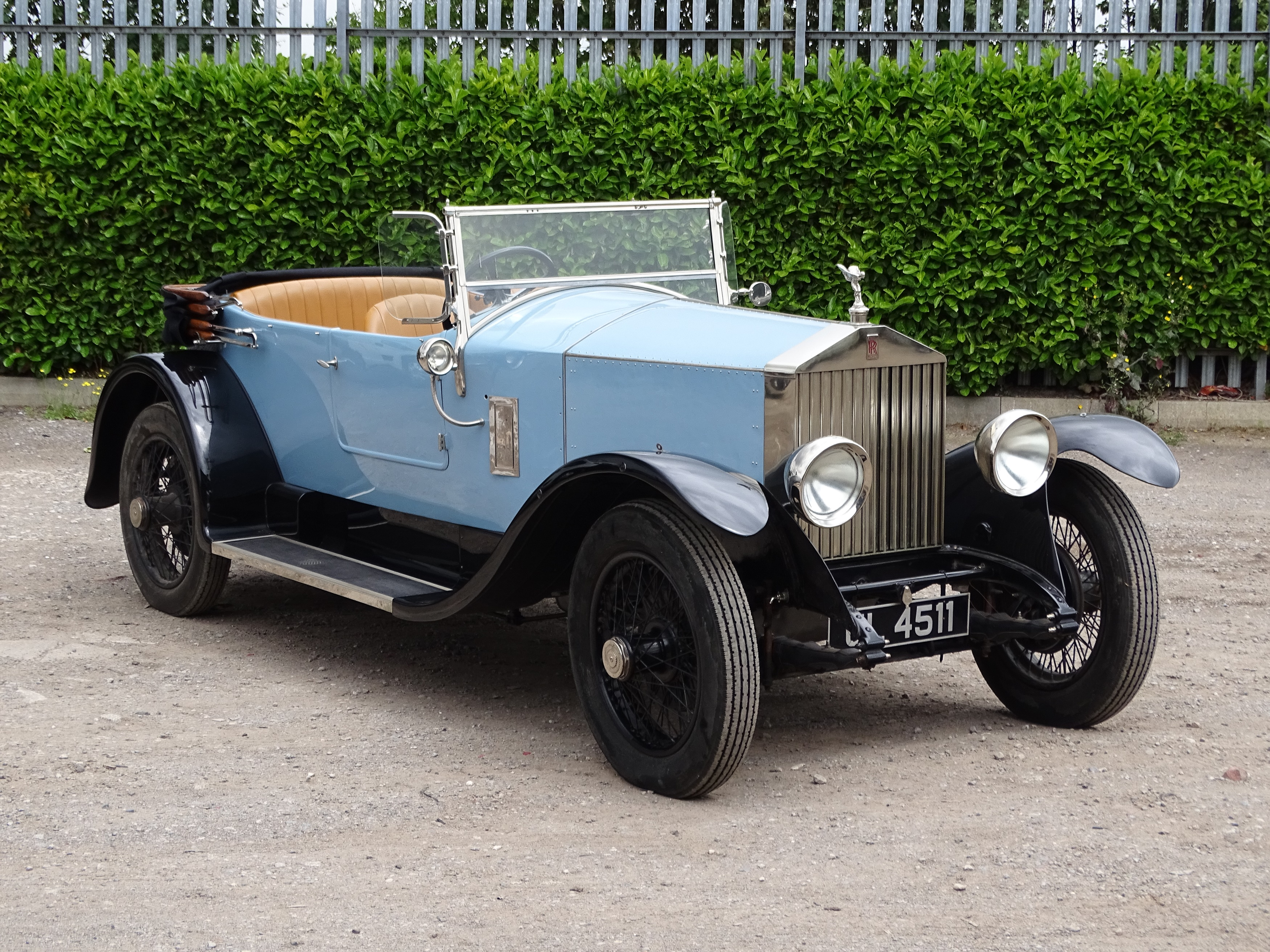 A FOOTBALL & CRICKET ACE ONCE OWNED THIS 1928 ROLLS-ROYCE 20HP TOURER