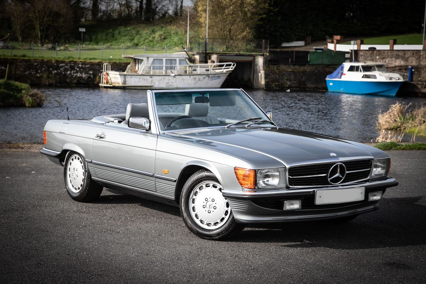 1989 Mercedes 300 SL sold at auction