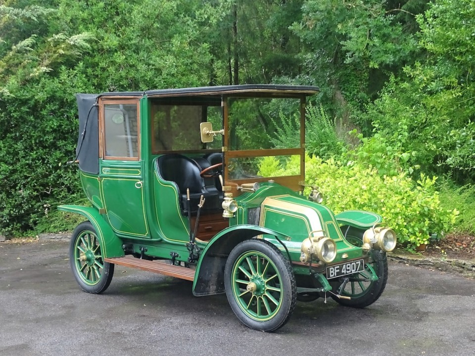 111-YEAR-OLD RENAULT WITH ECHOES OF DOWNTON ABBEY