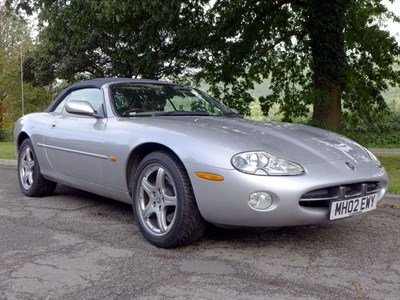 Lot 61 - 2002 Jaguar XK8 Convertible
