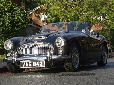 Lot 30-1963 Austin-Healey 3000 MKIIA
