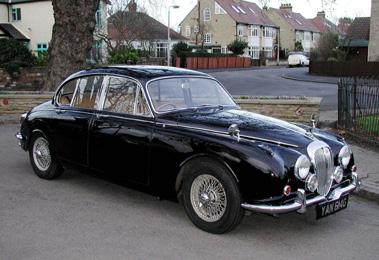 Lot 5-1969 Daimler V8-250