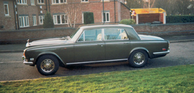 Lot 10-1975 Rolls-Royce Silver Shadow