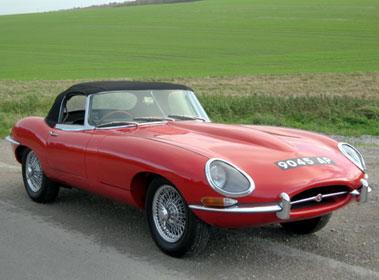 Lot 54-1962 Jaguar E-Type 3.8 Roadster