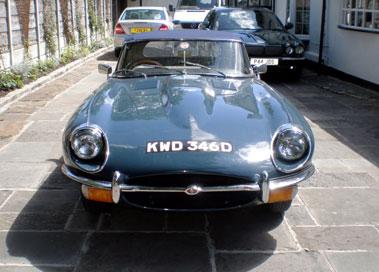 Lot 63-1966 Jaguar E-Type 4.2 Roadster