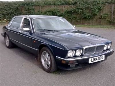 Lot 9 - 1994 Daimler Majestic 6.0