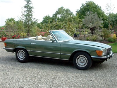 Lot 57-1975 Mercedes-Benz 450 SL