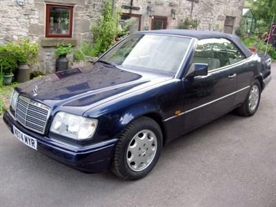 Lot 23-1994 Mercedes-Benz E 220 Cabriolet