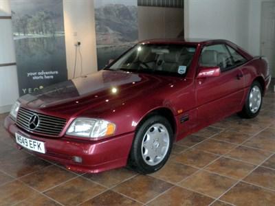 Lot 83-1995 Mercedes-Benz SL 280