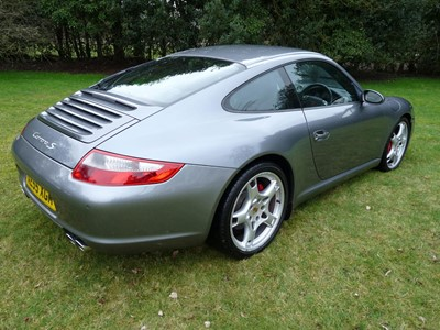 Lot 28-2005 Porsche 911 Carrera 2S