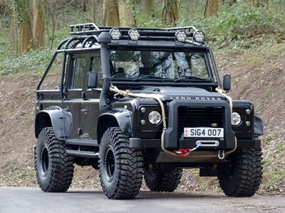 Lot 112-2007 Land Rover Defender 110 2.4 TDCi XS Double Cab Pickup