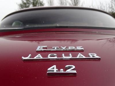 Lot 18 - 1970 Jaguar E-Type 4.2 Roadster