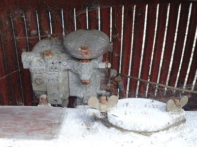Lot 21 - 1933 Invicta 12/45 Saloon