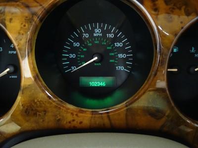 Lot 34 - 1999 Jaguar XK8 Convertible