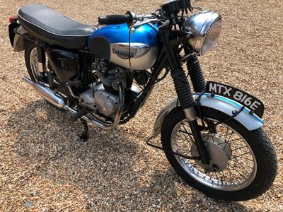 Lot 220-1967 Triumph T90 Tiger