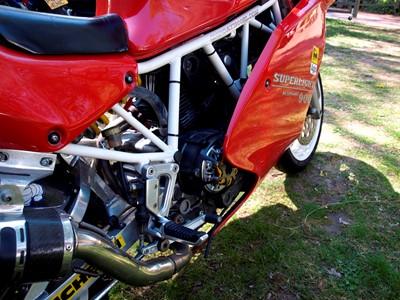 Lot 232-1993 Ducati 900 SL