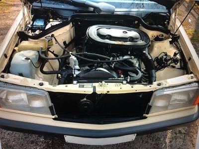 Lot 310-1990 Mercedes-Benz 190 E