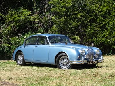Lot 308 - 1965 Daimler V8-250