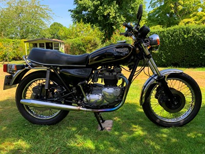 Lot 210-1988 Triumph T140 Bonneville