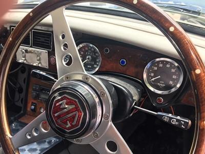 Lot 310-1975 MG B GT V8