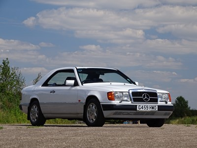 Lot 301 - 1990 Mercedes-Benz 230 CE