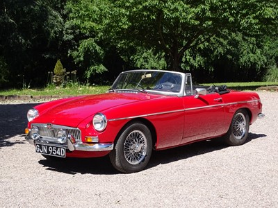 Lot 305-1966 MG B Roadster