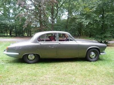 Lot 300 - 1968 Jaguar 420