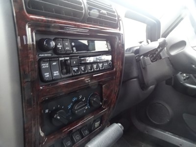 Lot 348 - 2000 Jeep Cherokee 4.0 Classic