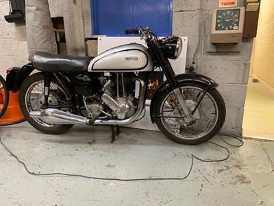 Lot 256 - 1960 Norton ES2