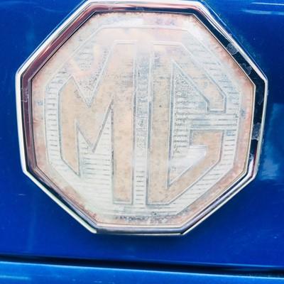Lot -2001 MG ZS 180