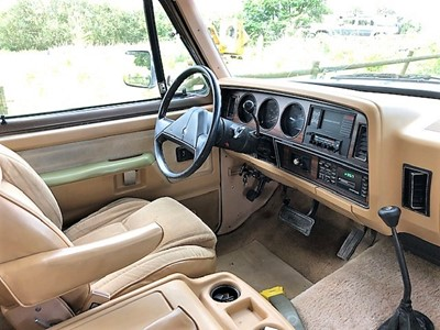 Lot -1989 Dodge Ramcharger LE 150