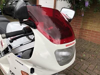 Lot -1996 Honda VFR400R