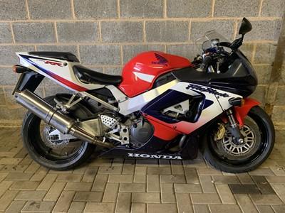 Lot 227-2000 Honda CBR900RR Fireblade
