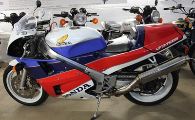 Lot 15 - 1988 Honda VFR750R RC30