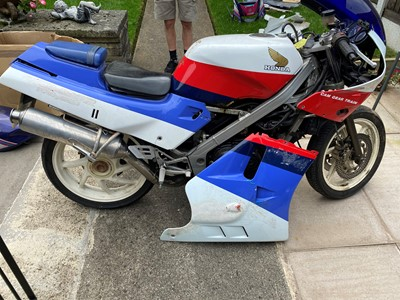 Lot 217-1987 Honda VFR400R
