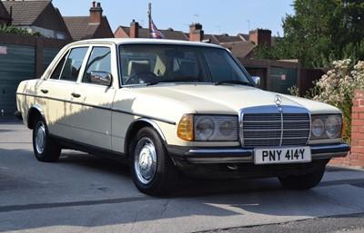 Lot 337 - 1982 Mercedes-Benz 300 D