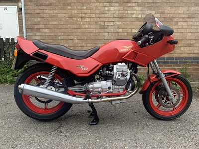 Lot 213-1993 Moto Guzzi Targa 750