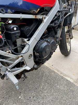 Lot -1987 Honda VFR400R