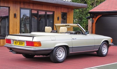 Lot -1983 Mercedes-Benz 500 SL