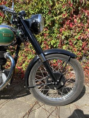 Lot -1951 BSA B31
