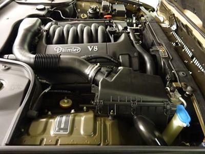 Lot 44 - 2001 Daimler V8 4 Litre Long Wheelbase