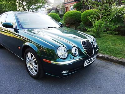 Lot 54 - 2004 Jaguar S-Type 2.5 V6 SE