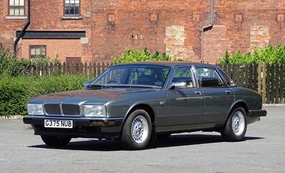 Lot 67-1990 Jaguar Sovereign 4.0