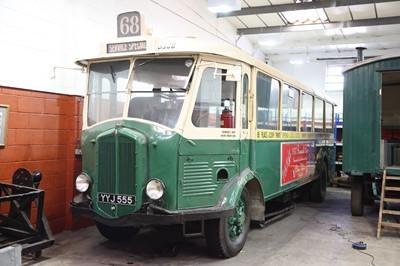 Lot 312-1937 Renault TN4H Autobus