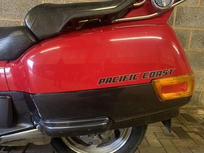 Lot 12 - 1996 Honda PC800 Pacific Coast
