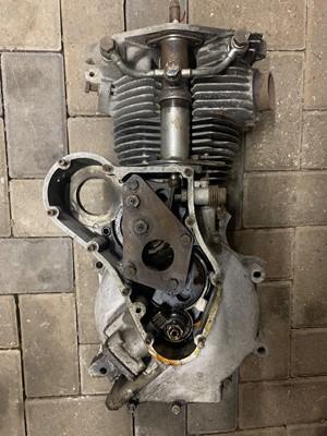 Lot 107-c1959 Velocette Venom 500cc Engine & Various Parts