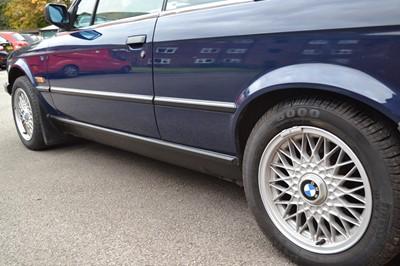 Lot 368 - 1990 BMW 320i Convertible