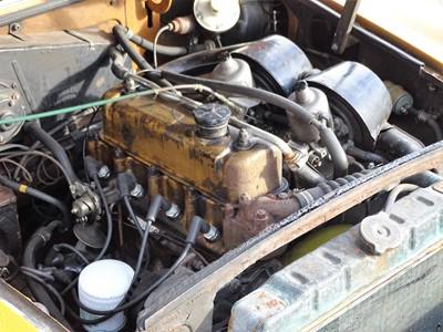 Lot 302-1975 MG B Roadster