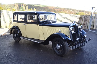 Lot 370 - 1935 Morris Oxford Twenty Saloon