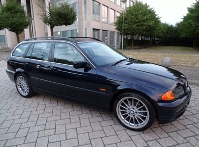 Lot 372 - 2000 BMW 328i SE Touring Auto